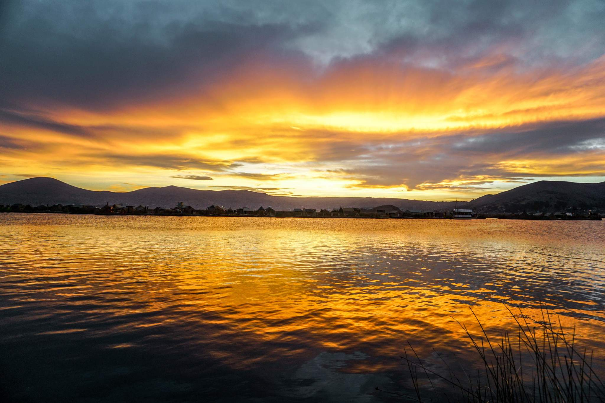 Uros-Islands Homestay-Review-Sunset